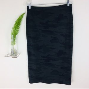 Sanctuary Pretty Camouflage Long Pencil Skirt (L)